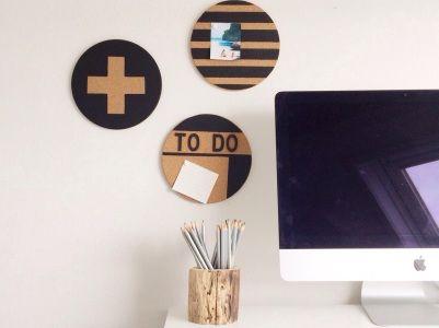 Pimp je onderzetters en hang ze aan de wand als prikbord! #woonexpress #DIY
