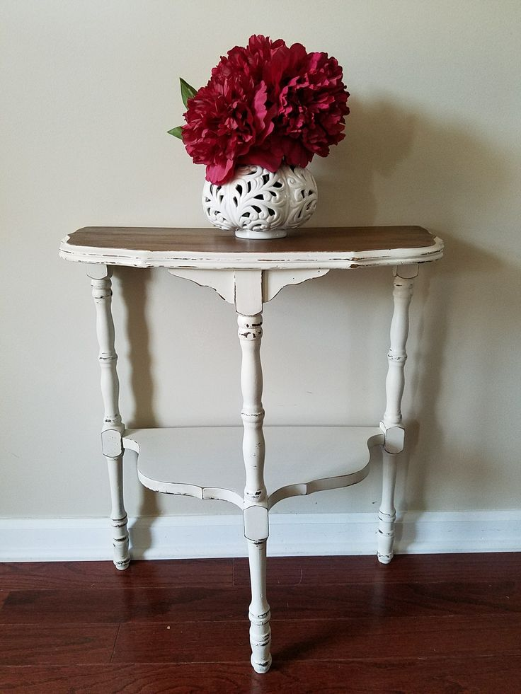 Antique Lace half table.    Love the simplicity of this little table.  #farmhouse #sidetables #terrabellaAcrylic-chalk paint #Lantana https://www.facebook.com/LantanaTiffinieLee/