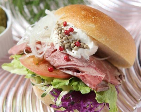 大阪産の黒毛和牛を使った「ザ・大阪サンドイッチ」が味わえる旧桜宮公会堂