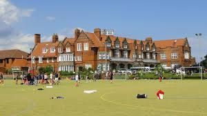 looking for top schools in UK? Scarborough College in Scarborough is a leading independent private boarding school for boys and girls in North Yorkshire, England. Scarborough College is delighted with another excellent set of results in the prestigious International Baccalaureate examinations. http://best-boarding-schools.net/united%20kingdom-country-schools-p2