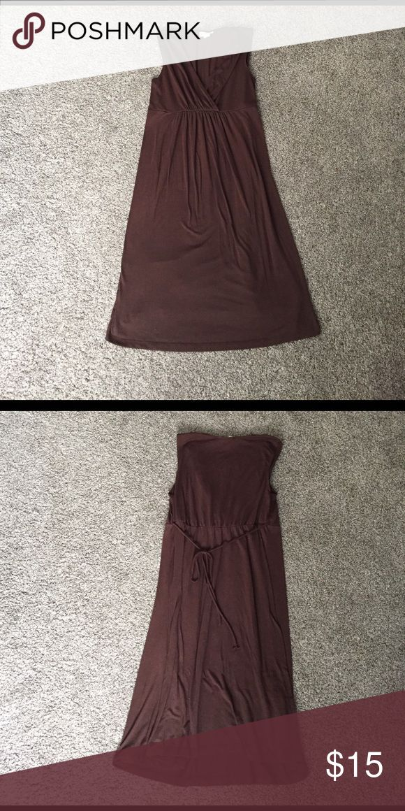 Chocolate brown maternity dress. Good used condition. Cute tie in back, front works great for nursing as well! Motherhood Maternity Dresses