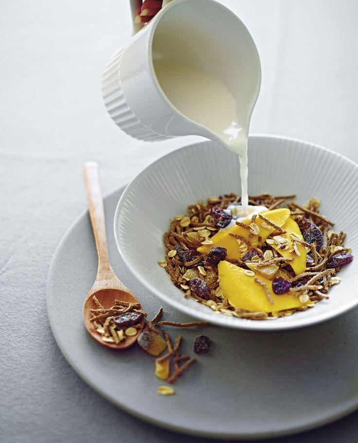 Michelle Bridges Superfoods Cookbook: Super Muesli Recipe