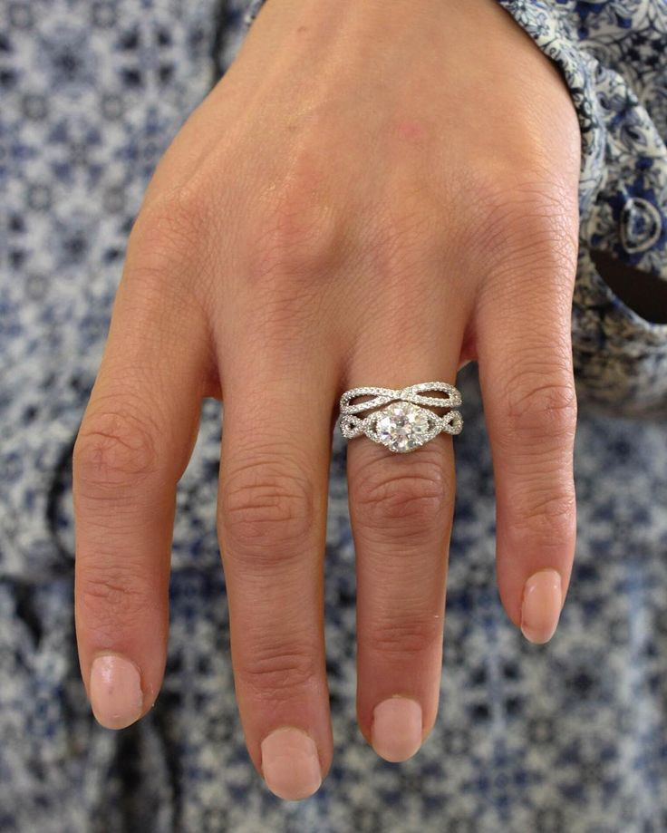 Introducing the Entwined Halo Diamond Matched Set! Featuring twisting vines of French pavè diamonds and a recessed halo, this matched set is a stunning choice. #BrilliantEarth