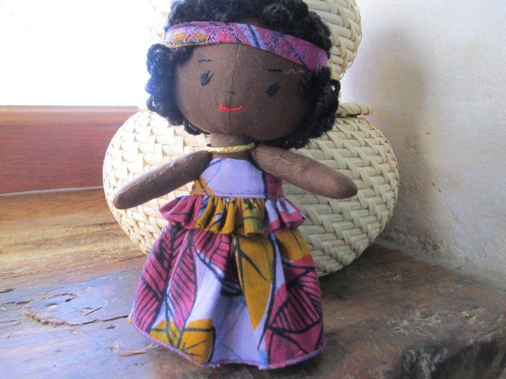 Mini poupée africaine.
