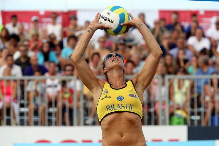 LEGA VOLLEY SUMMER TOUR 2014 #lobianco #volley #beach #riccione #LVST14 #ilovevolley #AllStarGame #raleri #sunglasses #sport Eleonora Lo Bianco indossa occhiali Sport RALERI