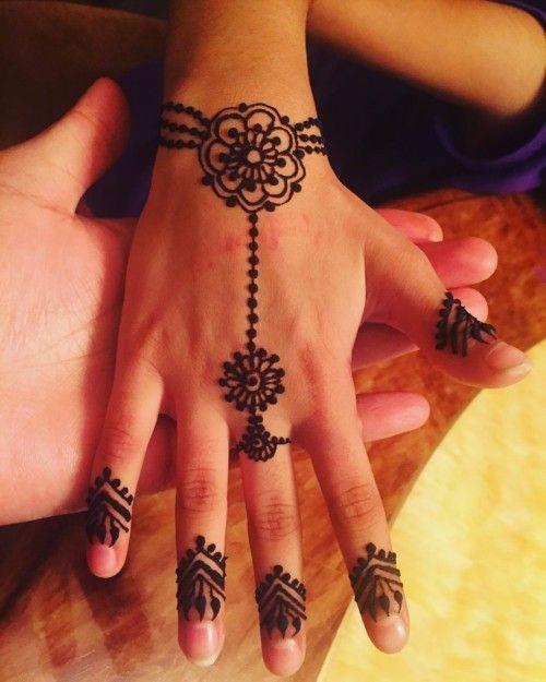 Henna Wrist Bracelet: 45 Best Bracelet And Bangle Mehndi Designs Images On