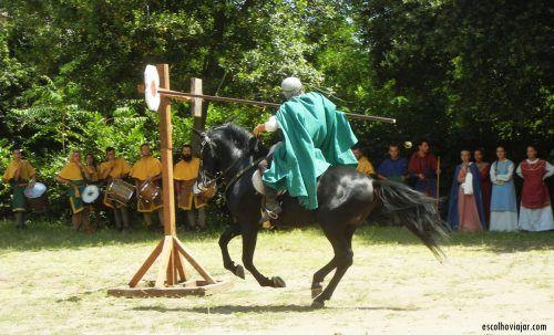 No interior da Itália, ocorre anualmente um Festival Medieval que retoma costumes do ano 1.000.