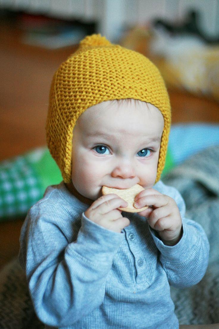 Clara Stickar: En liten gul mössa