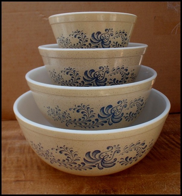Vintage Pyrex HOMESTEAD Set of 4 Nesting Mixing Bowls EXCELLENT Blue Tan | eBay