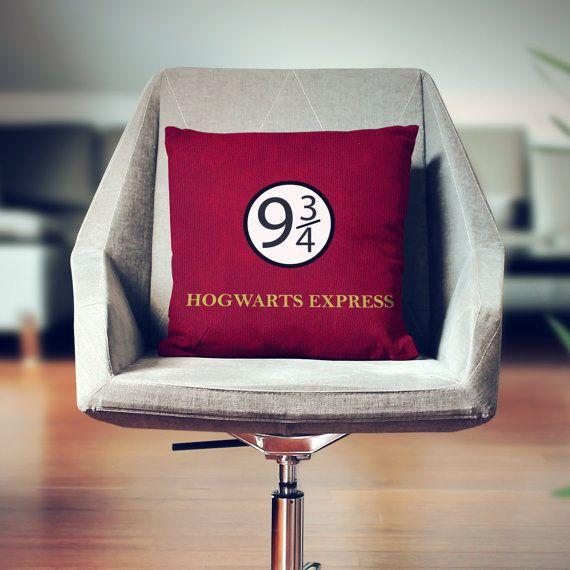 Harry Potter oreiller  Harry Potter Decor  par wfrancisdesign