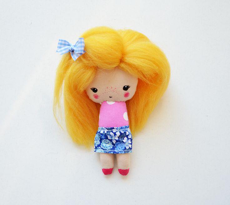 Małgorzata Kołaczyńska-Strzelecka, Zabawkarstwo,  http://polandhandmade.pl #polandhandmade, #doll, #smalldoll, #lalkakieszonkowa, #miniatura