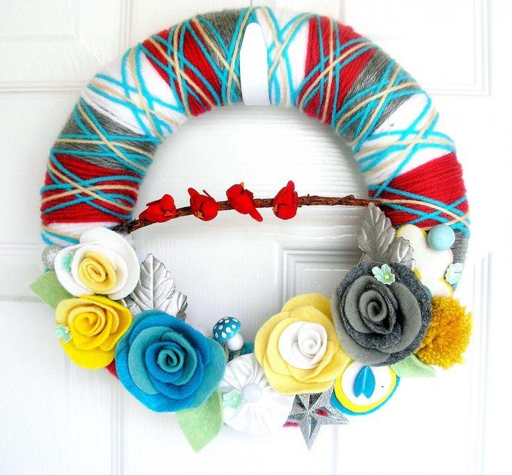 wreathChristmas Wreaths, Ideas, Colorado Wedding, Wedding Planners, Spring Wreaths, Diy Crafty, Yarns Wreaths, Crafts, Yarn Wreaths