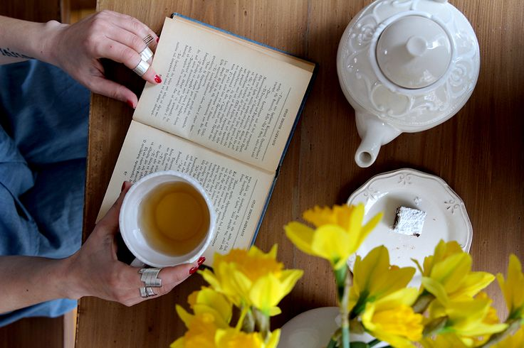 tea & books | #7thought   photo: @teapotgr
