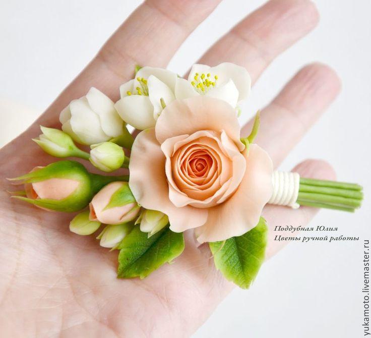 """Купить """"Персиковая нежность"""" бутоньерка - полимерная глина, украшение для фотоссесии, украшение для выпускного, персиковые розы"""