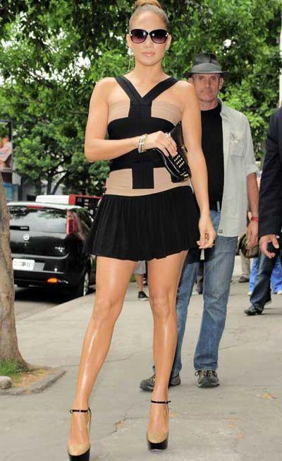 Jennifer Lopez shows off her legs in tiny mini-dress