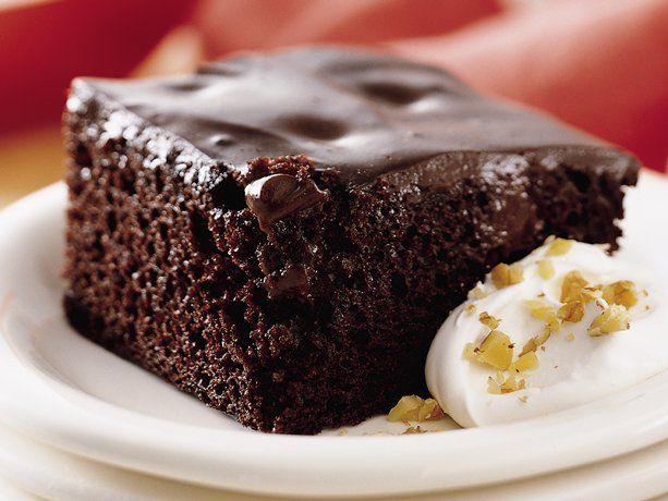 Chocolate Pudding Poke Cake - easy deserts