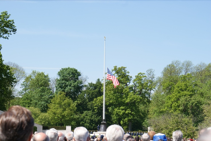 us flag at half mast today
