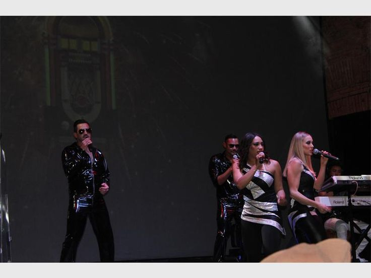 MULDERSDRIFT – Read all about the grand opening of the Barnyard Theatre at Silverstar Casino on 25 May.