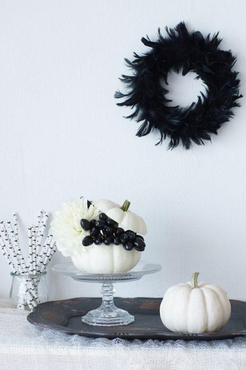 ブラック&ホワイトで! 大人可愛いハロウィン飾り