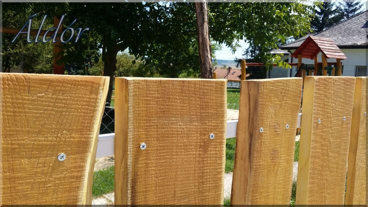 Rusztikus akác kerítés