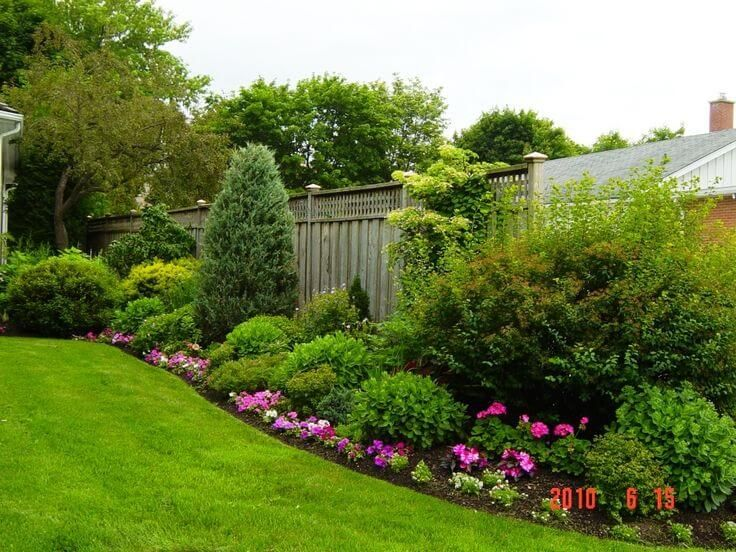 55 backyard landscaping ideas youll fall in love with - Garden Ideas Along Fence Line