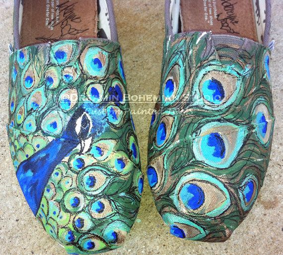 Hey, I found this really awesome Etsy listing at https://www.etsy.com/listing/121546139/peacocks-hand-painted-toms-feathers