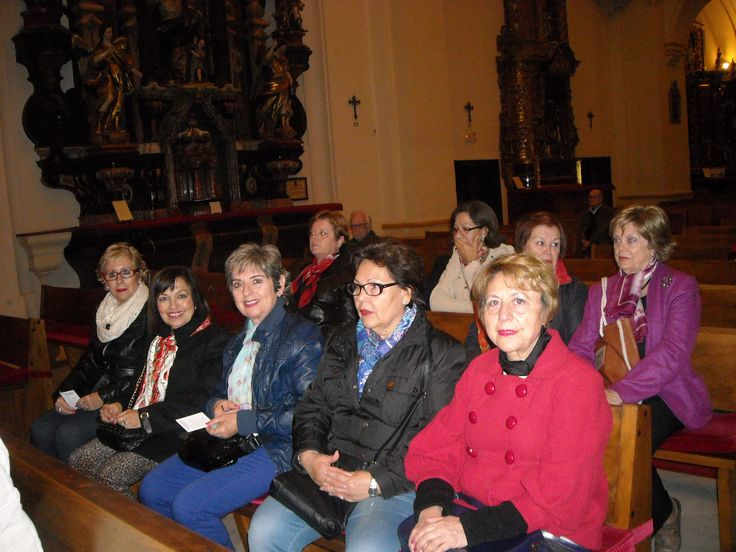 Grupo de misioneras de la VP de Schoenstatt, en la iglesia de el Salvador y Santo Domingo de Córdoba (España) 2014 11 17