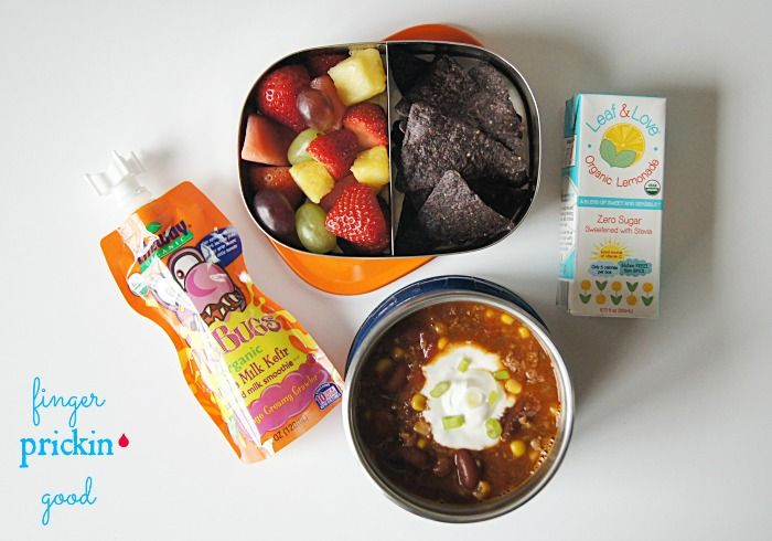 Here's what's inside: Taco Soup (recipe on blog)= 24 carbs Fresh Fruit (grapes, strawberries & pineapple)= 15 carbs Garden of Eatin' Blue Corn Tortilla Chips= 11 carbs Leaf & Love Organic Lemonade Juice Box= 2 carbs Lifeway Organic ProBug= 10 carbs Lunch Total= 62  carbohydrates