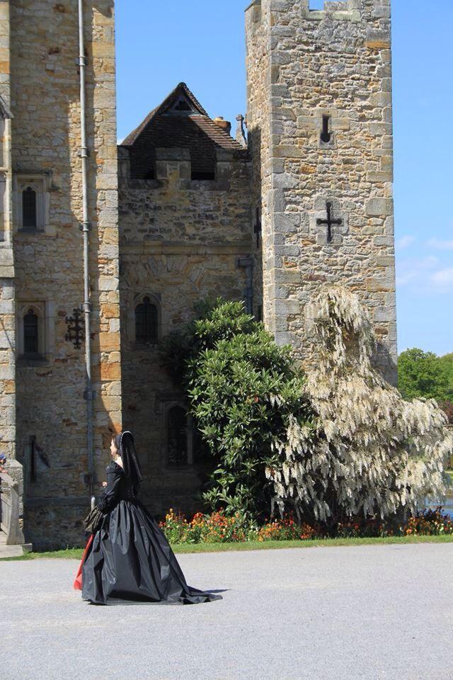 Hever castle with Anne Boleyn. #Hevercastle #tudor #anneboleyn #henryviii photo: Belinda Maria Longsden