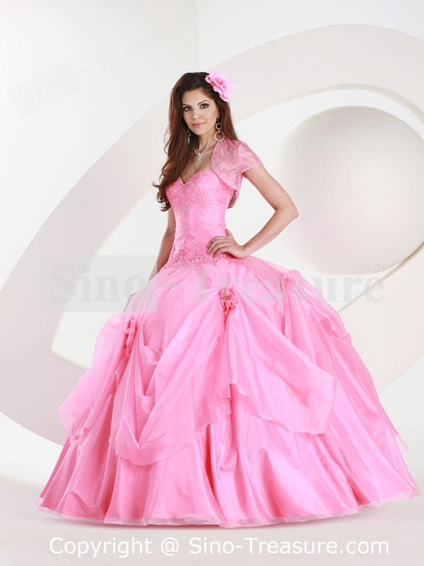 192 best Let\'s Go To The Prom images on Pinterest | Ballroom dress ...