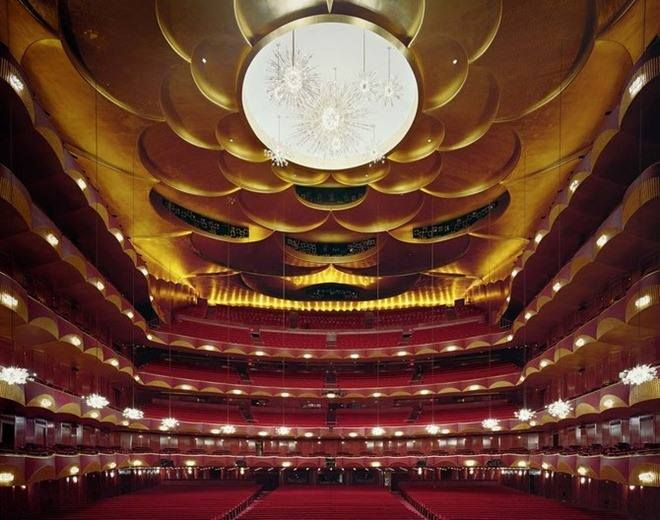 Tips for visiting Met Opera House https://meetmeattheopera.com/opera-houses/new-york-metropolitan-opera/