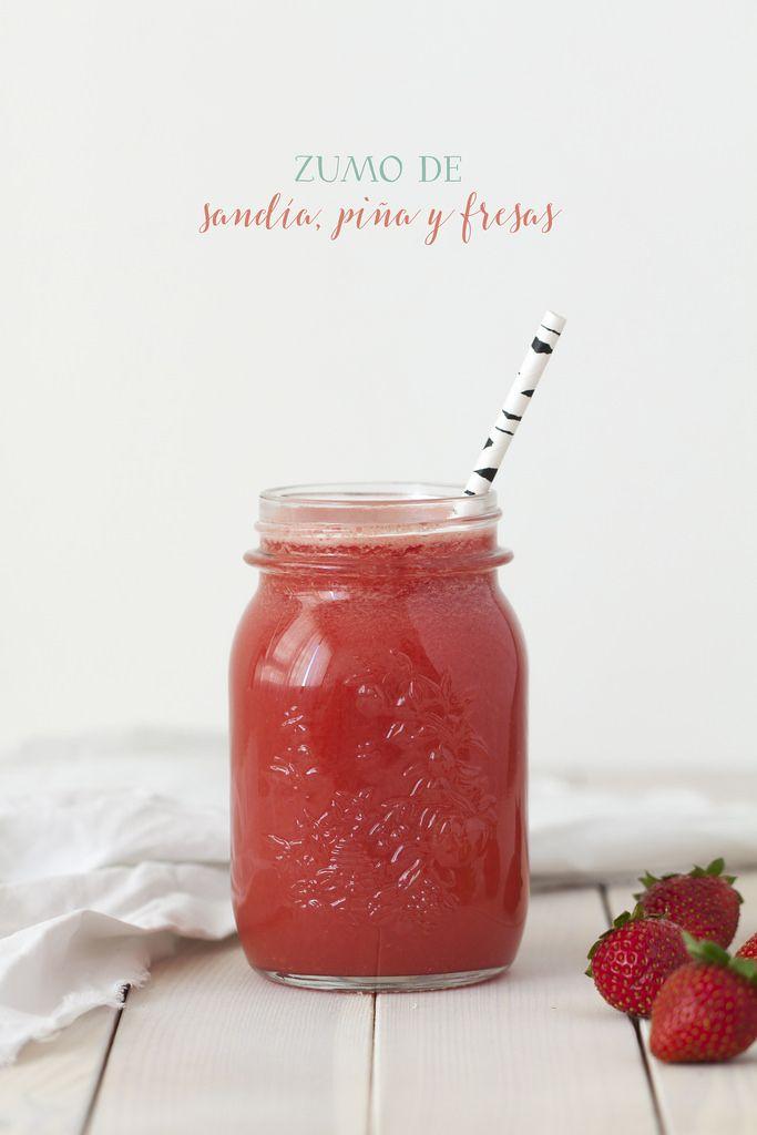 Zumo de sandía, piña y fresas