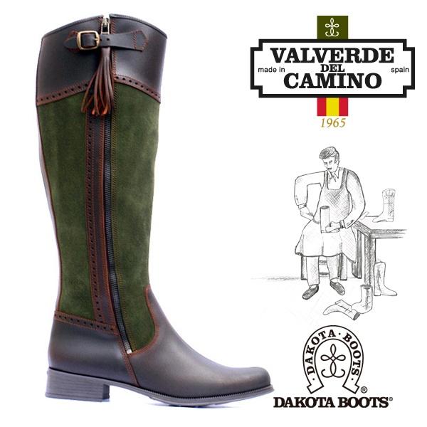 Nuestra Bota Campera Vintage Modelo 90 Verde es una bota especial para usarla a diario o para las grandes ocasiones, por su comodidad, flexibilidad y elegancia. Sigue el diseño campero de bota de caza pero con horma y caña de mujer.