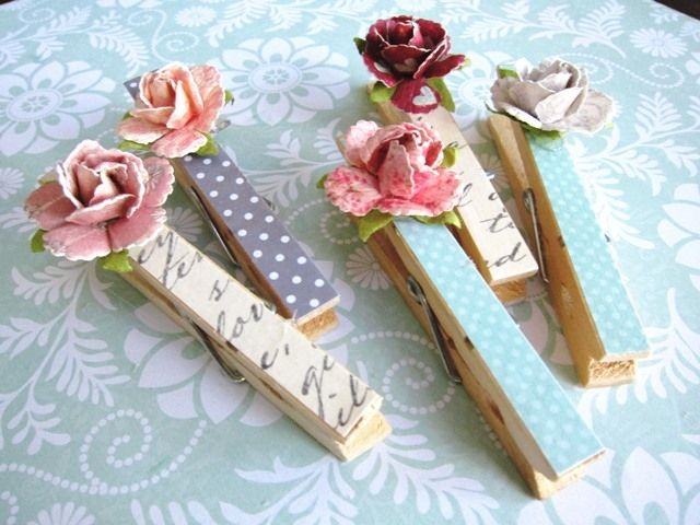 Paper Rose Clothespins 2 BUT do them in Christmas colors and add holly leaves/ berries or poinsettias or something else Christmasy.