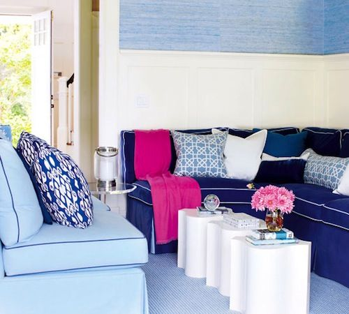 25 Best Ideas About Navy Blue Houses On Pinterest: 25+ Best Ideas About Light Blue Couches On Pinterest