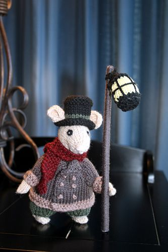 """mice2 by knitcole, via Flickr, Ravelry pattern (not free). Dickensonian mice. """"Cheese for us Meeeces!"""""""
