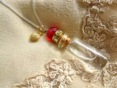 You won't find Heart Jewellery like this anywhere else! The glass vial contains pure water from the Holy Spring at Lourdes. Many believe that Lourdes water imparts a feeling of wholeness and calmness - even in bad times of illness and despair. And with this unique necklace, it is possible to share this belief with people you are close to