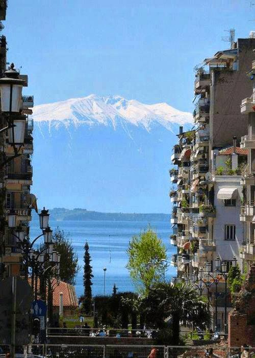 Incredible view of Mount Olympos from Thessaloniki