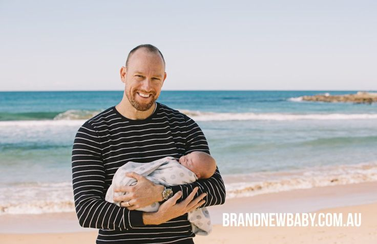 Dad with newborn, outdoor newborn photography, outdoor baby photography, dee why beach, northern beaches Sydney