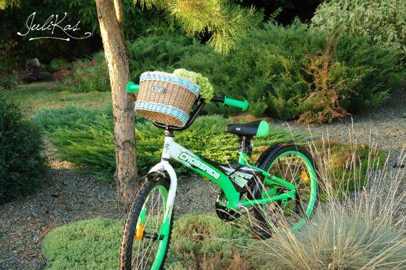 #bicyclebasket  #coloredbaskets  #giftforcyclist  #marinestyle #basketforBike  #wickerbasketsmall  #wickerhamper  #sailordecor  #sailorroomdecor  #bluesailor  #bikebasket #upcycledbasket  #bikebag