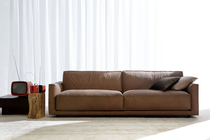 Ribot sofa by Berto. Modern leather sofa made in Italy.