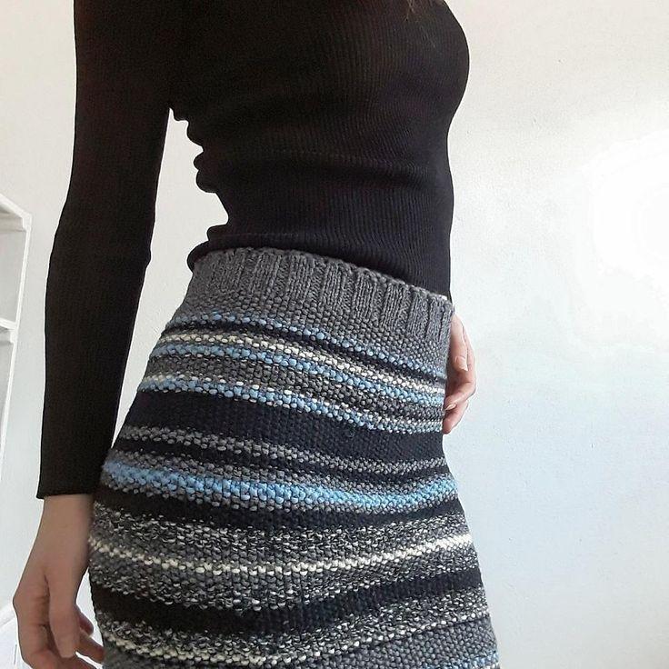 #knitskirt #susteinablefashion #pencilskirt #recycledyarn