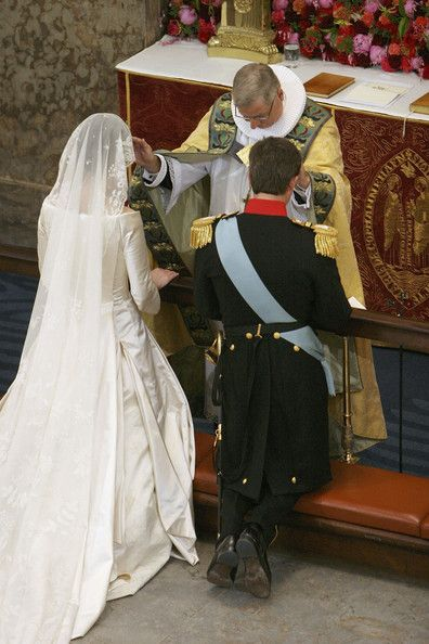 Danish Crown Prince Frederik and Miss Mary Elizabeth Donaldson are married by Bishop Erik Normann Svendsen in Copenhagen Cathedral. (Sean Gallup/Getty Images Entertainment)