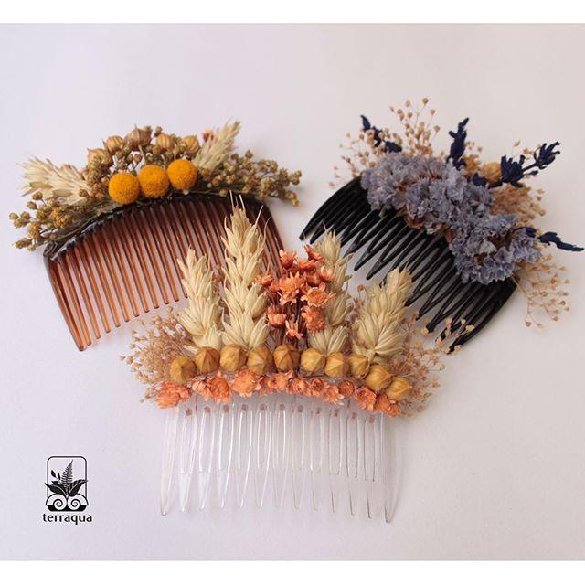 Kuru çiçeklerden yaptığımız saç tokaları, bu hafta sonu @murmurationdesignsales'de  #terraquadesign #driedflowers #flowers #hair #toka #kuruçiçek #flowercomb #comb #handmade #unique #design #forhair #beauty #instacool #tagsforlikes #floraldesign #istanbul