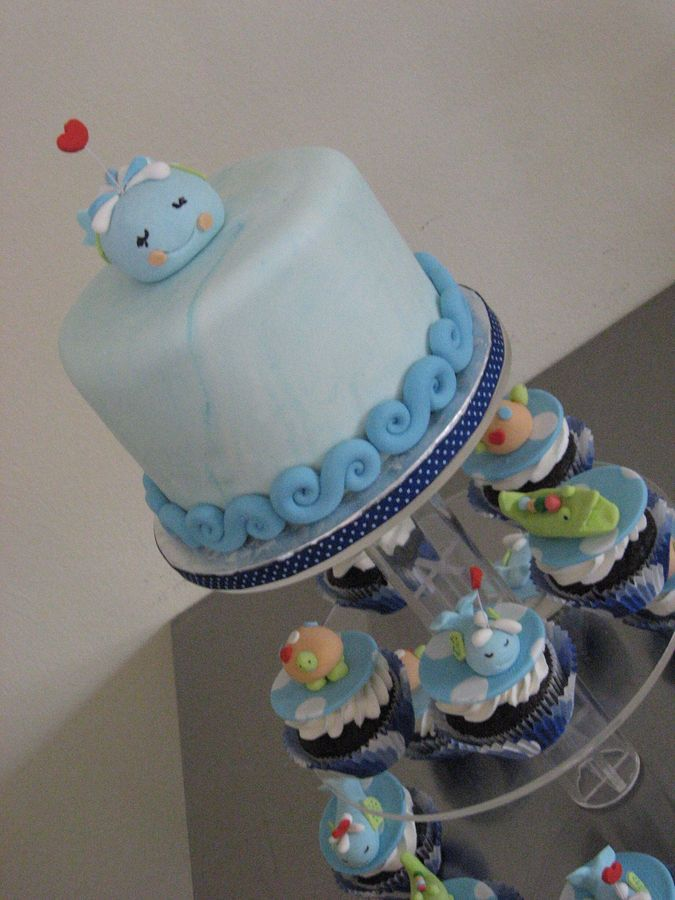 whale baby shower cake i