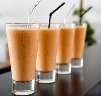 Recept Soja Milkshake Tutti Frutti. Een heerlijke zuivelvrije milkshake vol verschillend fruit.
