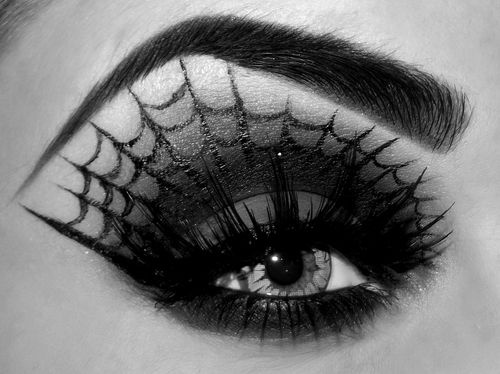 Spider web eye shadow.  #eyes