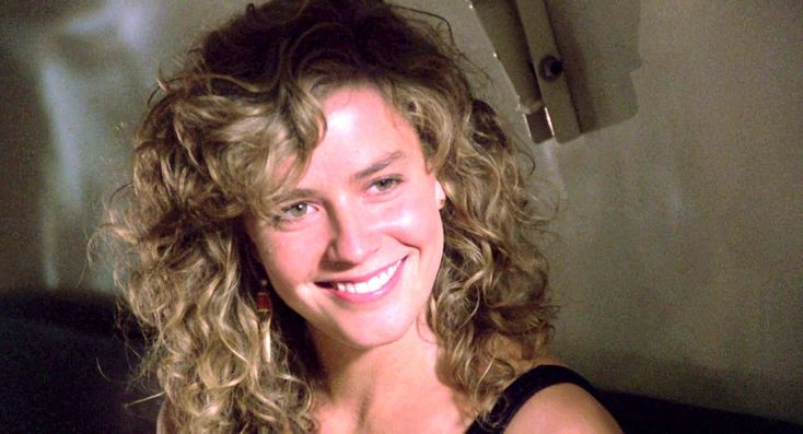 Jordan Mooney / Elisabeth Shue (Cocktail)