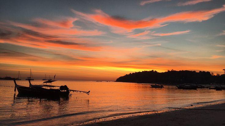 Sunset at Pattaya beach, Koh Lipe, Thailand