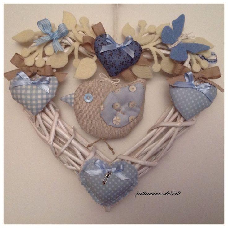 Cuore/fiocco nascita con uccellino e cuori azzurri, by fattoamanodaTati, 33,00 € su misshobby.com
